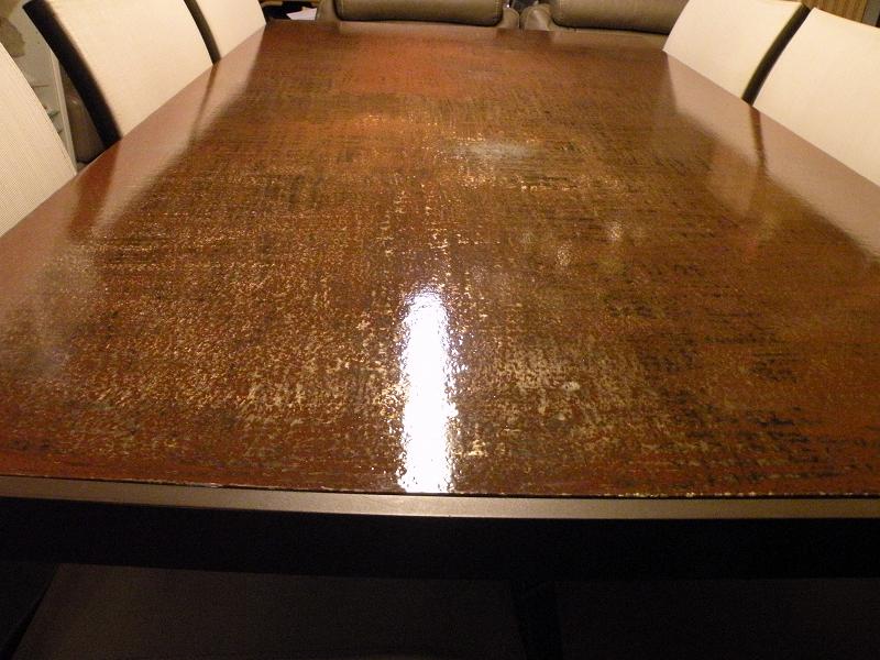 MSM réalise table et meuble en acier.